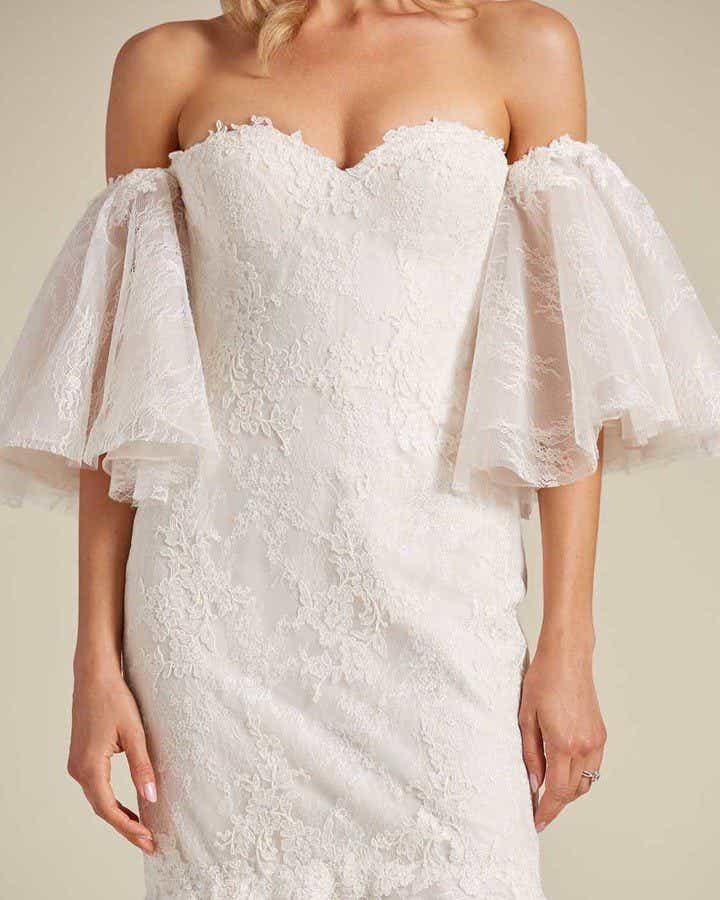 Off White Mermaid Tail Wedding Dress - Detail